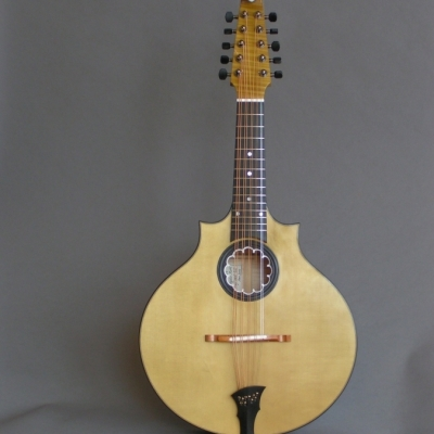 Kai's Work : <p>Flat top &ldquo;medieval&rdquo; Cittern, flat top raised ebony rosette with parchment &ldquo;ruff&rdquo;</p>